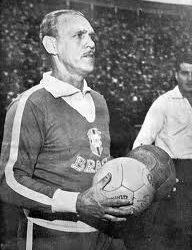 Aymoré Moreira – Um Campeão Mundial na Ferroviária!